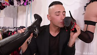 Foot fetish threesome with Coco de Mal and Linda Leclair in high heels